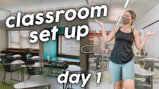 CLASSROOM SET UP DAY 1 | First Year Teacher!