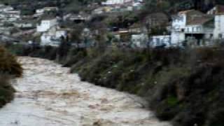 preview picture of video 'Crecida del rio Cubillas a su paso por Pinos Puente'