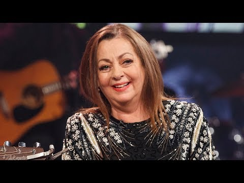 Sandy Kelly's friendship with Johnny Cash | The Late Late Show | RTÉ One