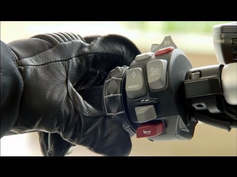New BMW K 1600 GTL - Driving / Details (HD)