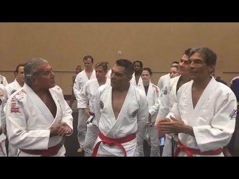 Rickson Gracie recebe a faixa Vermelha de Jiu-jitsu!