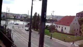 R796 prejizdi Vltavu