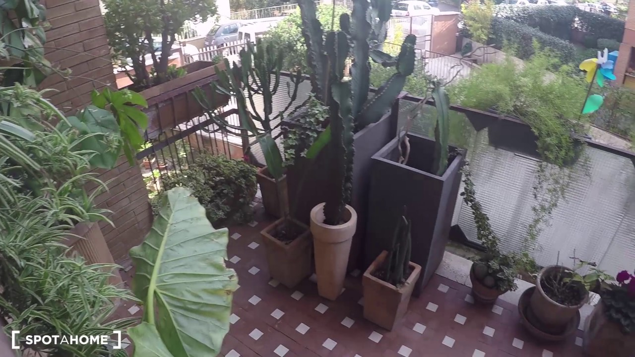 Double Bed in Room for rent in stylish, 2-bedroom apartment with balcony in Torrevecchia