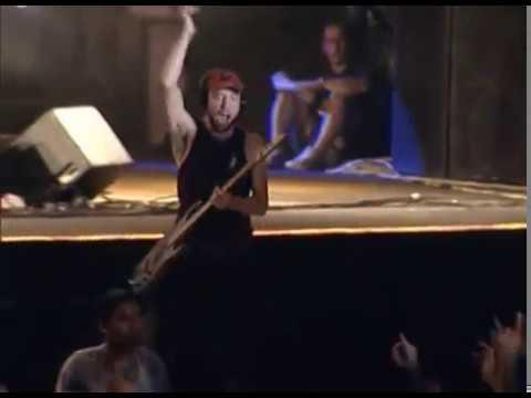 Catupecu Machu video Y lo que quiero es que pises sin el suelo - San Pedro Rock II / Argentina 2004