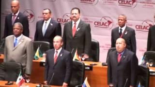 Un presidente cantando el himno de otro pais... algo pocas veces visto