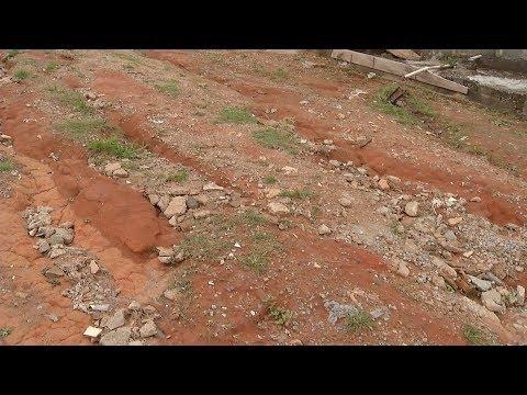 ARAÚJOS: MG-252 em péssimas condições