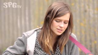 Gabrielle Aplin - 'Ready to Question' | SPGtv