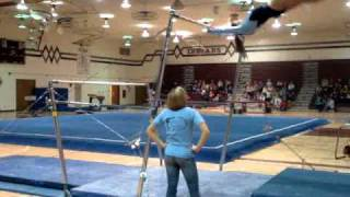 Gymnast falling on Neck during Bar Routine!