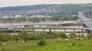 preview picture of video 'Povodně 2013, Praha Komořany'