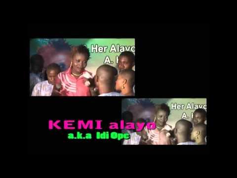 KEMI ALAYO LIVE ON STAGE