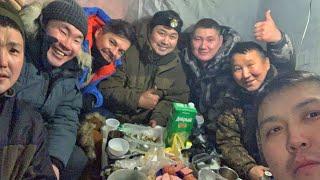 🎣 Łowimy ryby przy -30 w Rosji 🇷🇺 NOCNA RYBAŁKA Jakucja 🕺🏻 GDZIE BĄDŹ