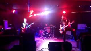 El 38 - DIVIDIDOS (Cover) CORNER ROCK
