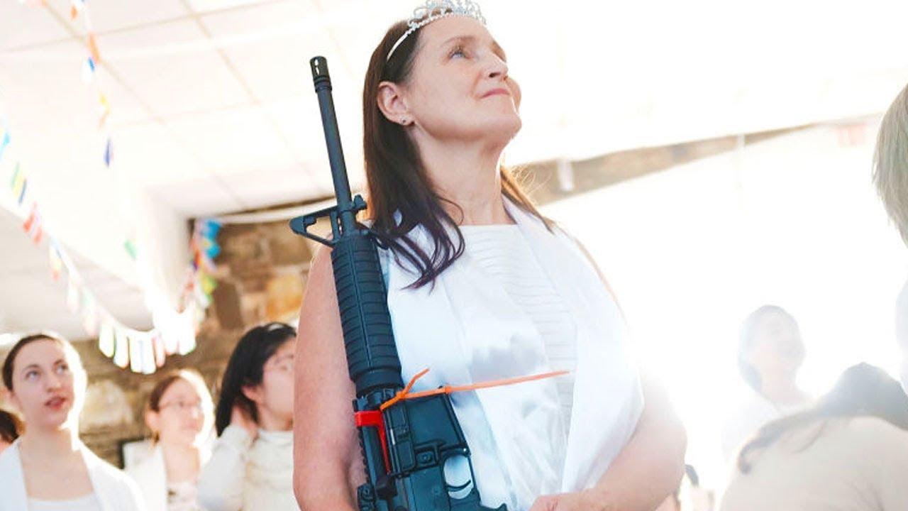Church Holds Bizarre AR-15 Ceremony thumbnail