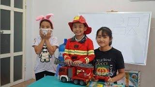Lớp Học Vui Nhộn Tập 5 - Bé Tập Làm Lính Cứu Hỏa - Dạy Trẻ Kỹ Năng Sống - MN Toys Family Vlogs