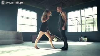 Эмоциональный танец парня с девушкой..очень красиво
