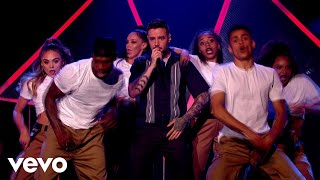 Liam Payne, J Balvin   Familiar (Live On Graham Norton)