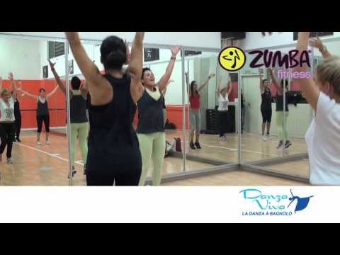 Preview video LEZIONE DI ZUMBA FITNESS