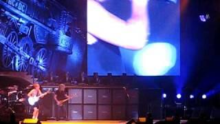 AC/DC - Live in Oakland - War Machine