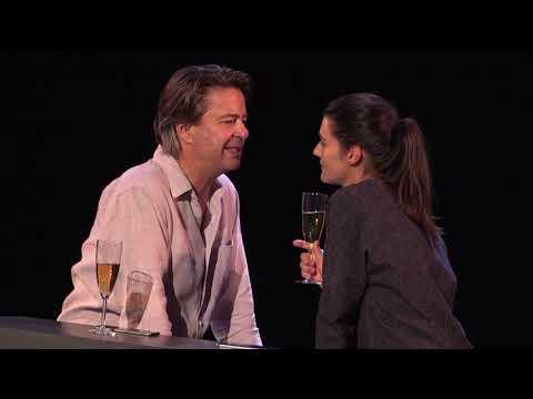 """Band annonce de la pièce de théâtre """"Politiquement correct"""" de Salomé Lelouch"""