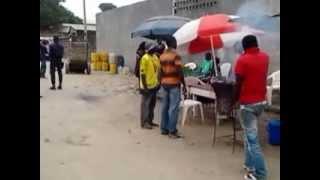 preview picture of video 'Deux Z se battent pour 500 francs à Brazzaville'