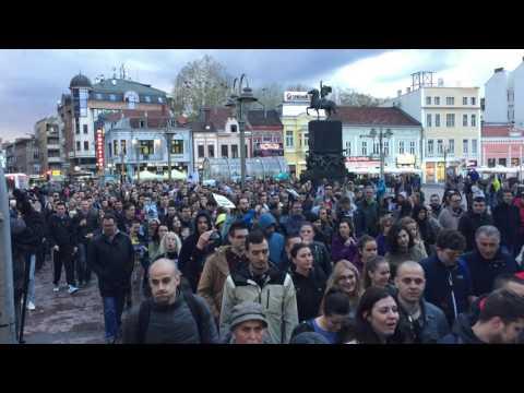Nekoliko hiljada Nišlija na protestu protiv Vučića