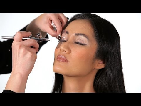 How To Do Cat Eyes | Airbrush Makeup