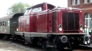 preview picture of video 'Sonntags an der Hespertalbahn - Museumszug am Baldeneysee Henschel Diesel und BR 212'