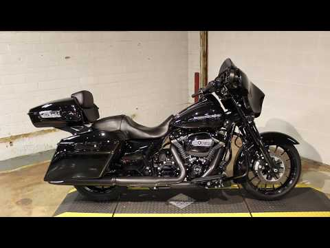 2018 Harley-Davidson Street Glide® Special in New London, Connecticut - Video 1
