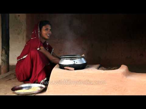 Download link youtube indian woman cooks food on a for Angithi indian cuisine