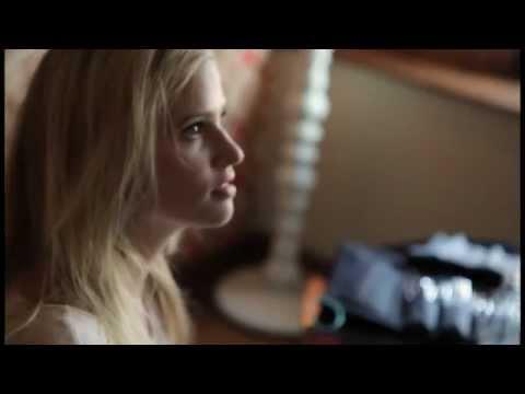 We Love Lara Stone - Fashion's Night Out 2011 - презентация одежды Calvin Klein