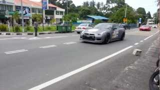 preview picture of video 'Supercar Convoy ( Samsung Galaxy Note 2  HD 1080p Camera)'