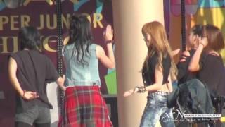 [Fancam] 100821 Jessica SNSD& Krystal f(x)- Tik tok @ SM TOWN 2010 Seoul
