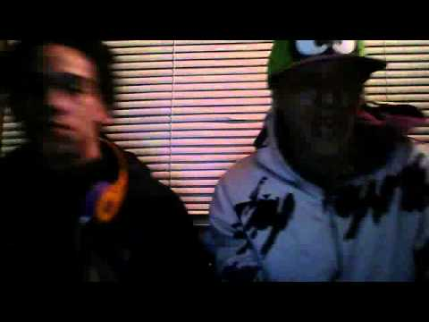 Webcam video from December 8, 2012 8:23 PM