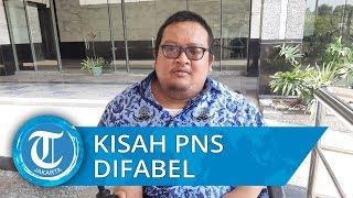 Kisah Simbar Pebrian, Staf PTSP Penyandang Disabilitas di Kantor Wali Kota Jakarta Timur
