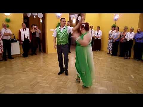 Ágota és Laci esküvői nyitótánca: keringő