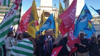napoli-deserto-al-flash-mob-dei-sindacati