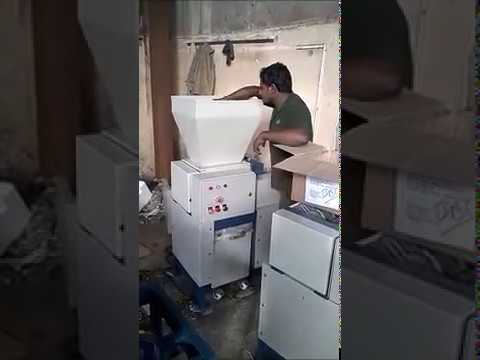 Industrial Plastic Shredder Machine