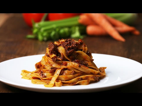 Italian-Style Bolognese (Ragù)