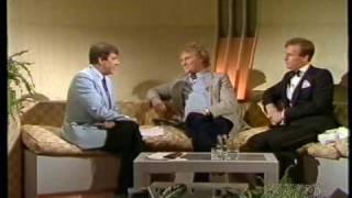 Russell Harty interviews Peter Davison et Colin baker (1984)