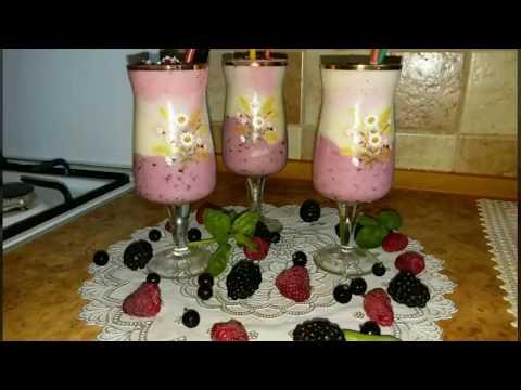 Молочный,фруктово-ягодный коктейль.