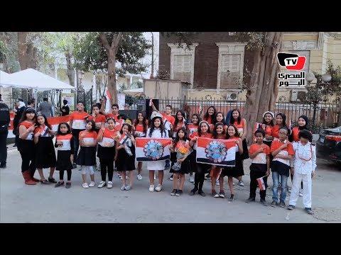 بـ«الورود» وزي علم مصر.. مبادرة لتشجيع الناخبين على المشاركة في الانتخابات