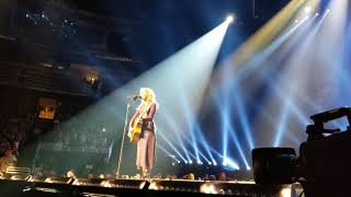 Lucky One - Faith Hill - Orlando Soul2Soul 10-21-2017