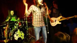 Валентин Стрыкало - Я бью женщин и детей (Live)