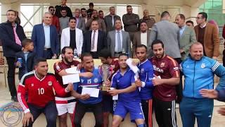 رئيس الجامعة يكريم فريق الجامعة لكرة الطائرة لحصولهم على المركز الاول فى دورى المصالح الحكومية | Kholo.pk