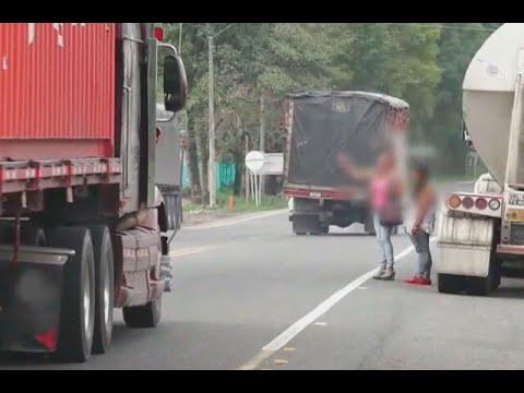 Hacen una seña y las suben al carro: conductores abusan de menores en vias del Quindio