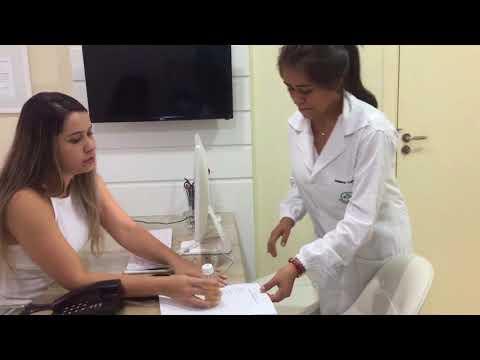 La presión arterial se mide en los seres humanos por medio de lo