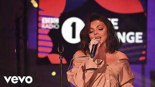 Musik-Video-Miniaturansicht zu Falling Songtext von Little Mix
