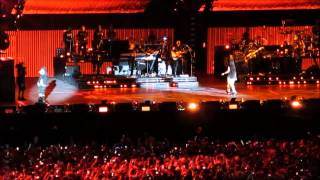 Eminem Feat. Rihanna   Love The Way You Lie (Live At Metlife Stadium)