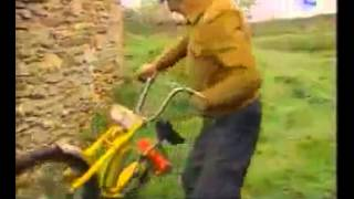 yaşlı amca ve elektrikli motosikleti