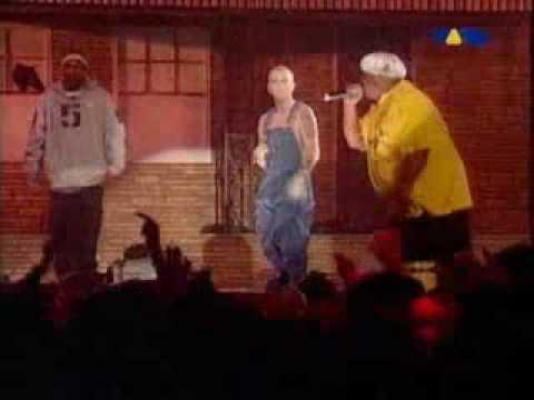 Eminem & D12 - Shit On You Live @ Anger Management Tour